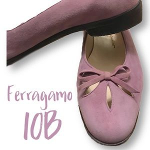 Ferragamo lilac suede flats with cutouts and bows